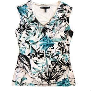 WHBM Sleeveless Shirt Fitted Floral White Blue
